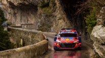 Ott Tanak se retiró tras sufrir dos pinchazos en el Rally de Montecarlo
