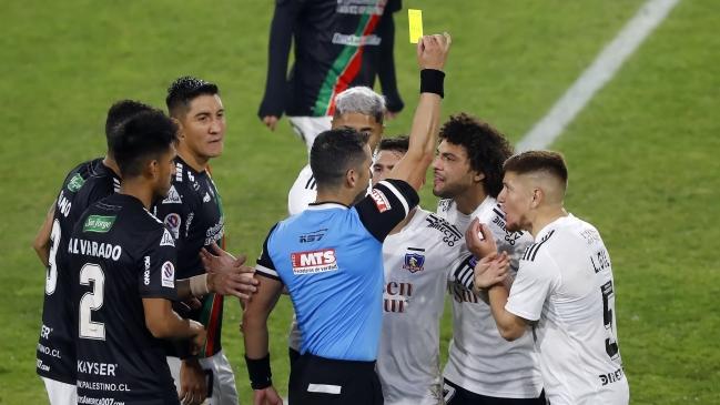 Jugadores de Colo Colo encararon al árbitro Fernando Véjar en camarines