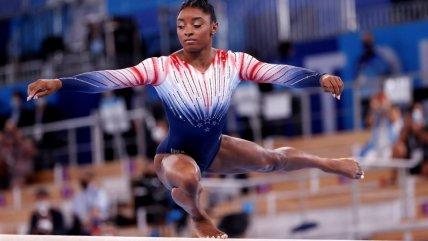 La espectacular rutina de Simone Biles para ganar el bronce olímpico en su regreso a la competencia