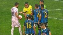 Les fans ont explosé contre Julio Bascuñán pour une pénalité infligée en faveur de l'U