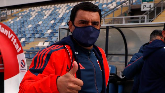 Primera medida: Luis Roggiero ratificó a Esteban Valencia hasta el final de la temporada en la U