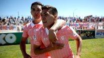 Resumen: La UC se acercó a Colo Colo, la U volvió a perder y Wanderers ganó el clásico porteño